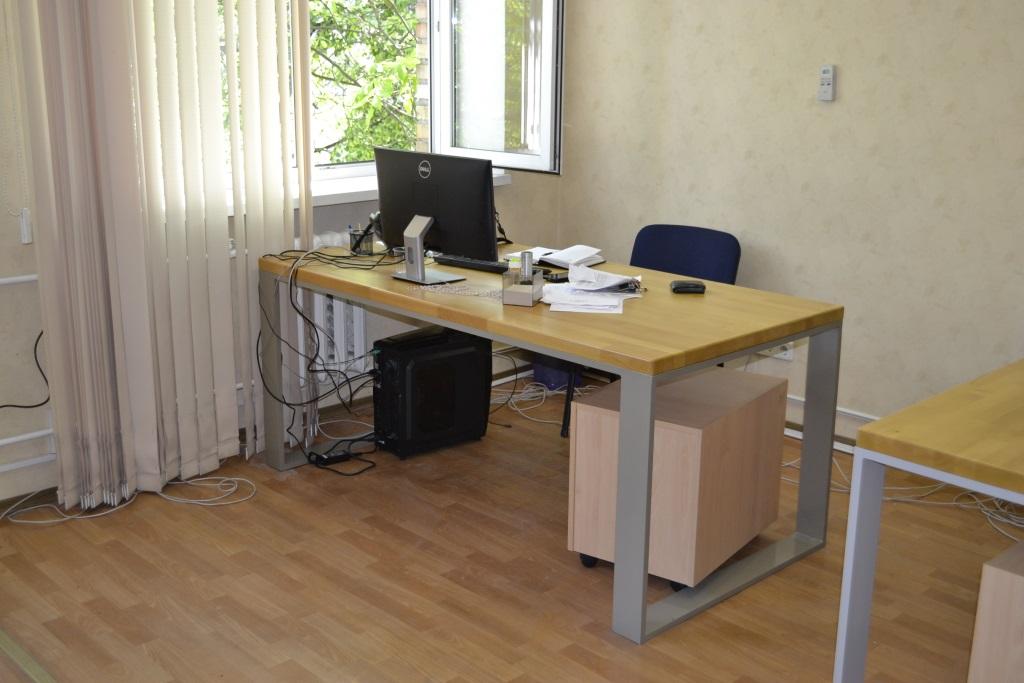 Компьютерный стол в стиле LOFT