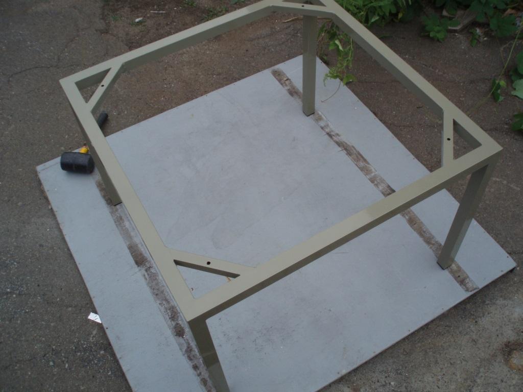Алюминиевый журнальный столик